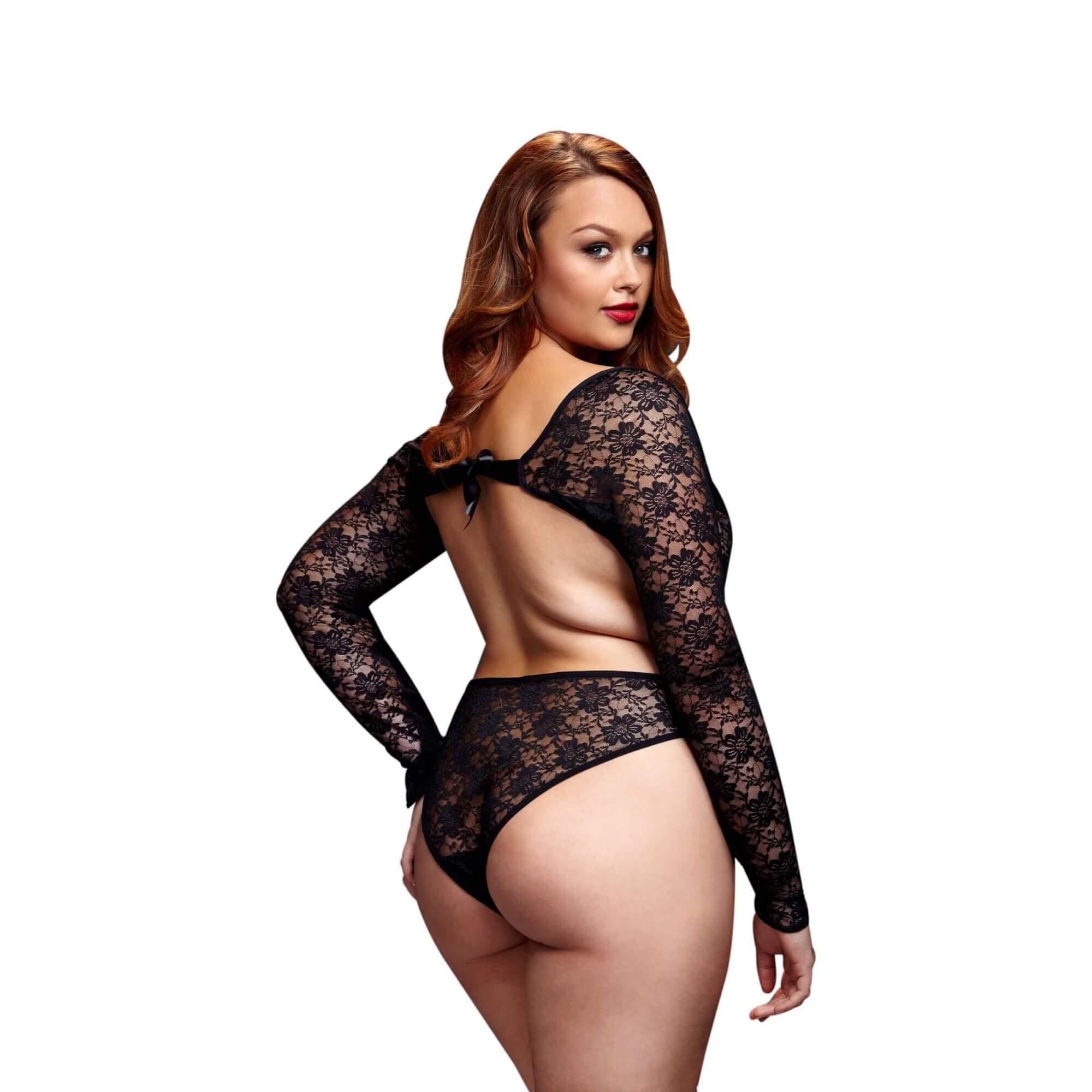 Bodyk / BACI Plus Size - hosszúujjú, csipke body (fekete)